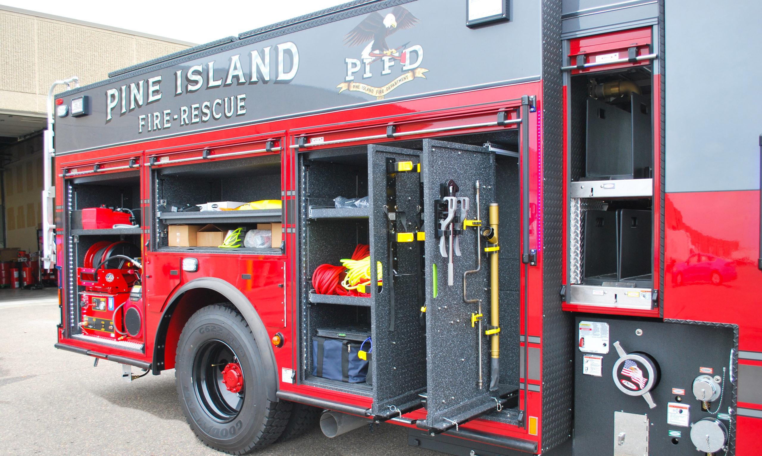 Pine Island Fire Department - Pumper