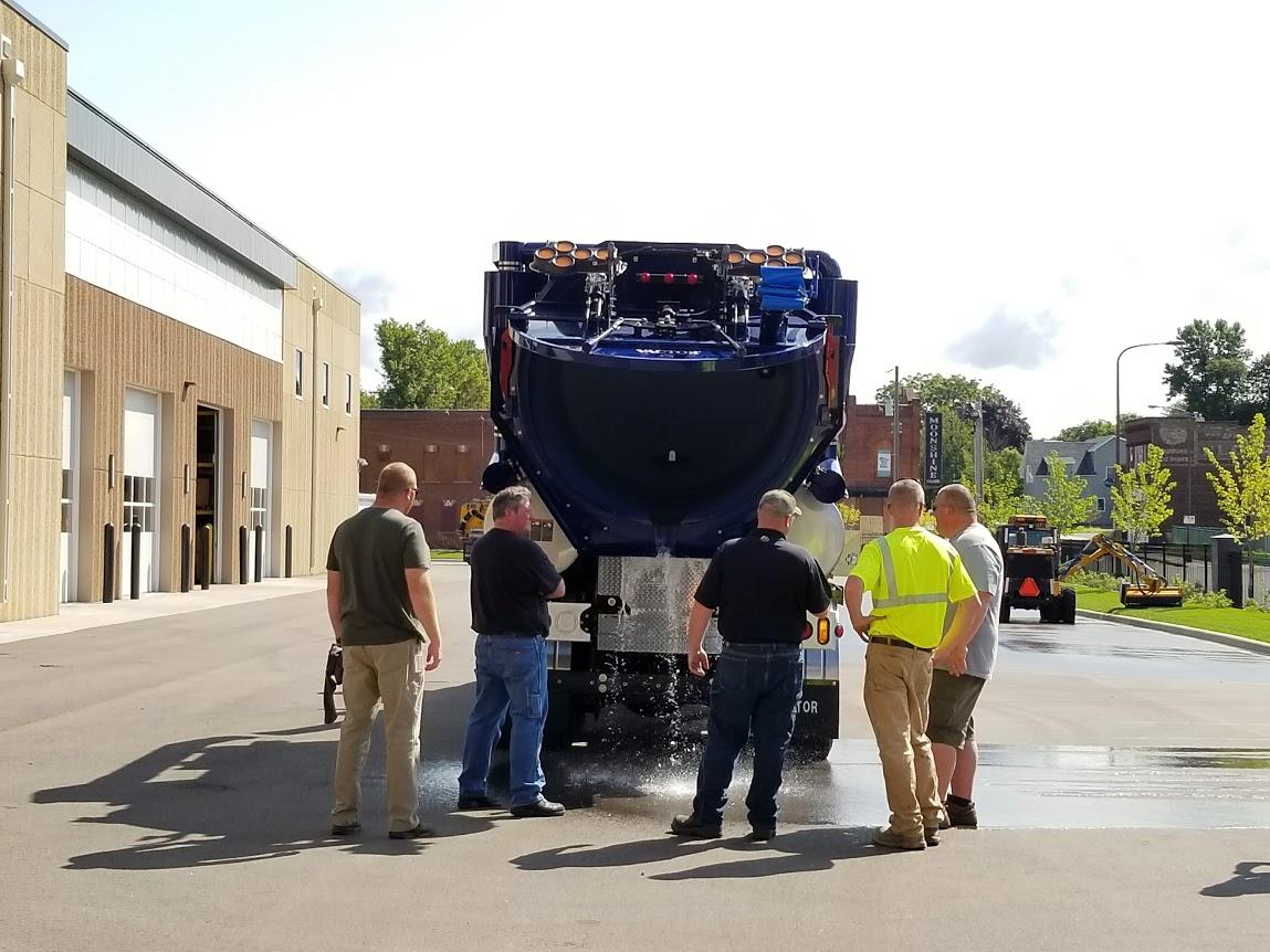 Burnsville,MN – 2017 Vactor 2100 Plus PD