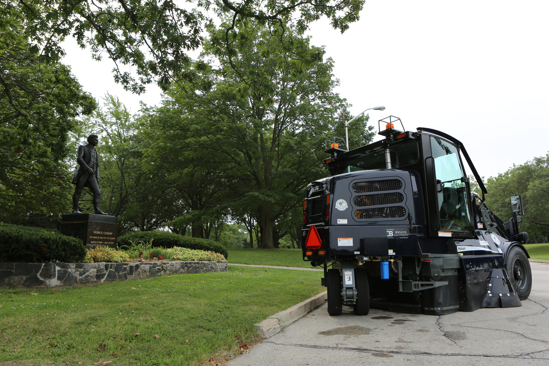 Cudahy, Wisconsin – 2017 Elgin Pelican Street Sweeper